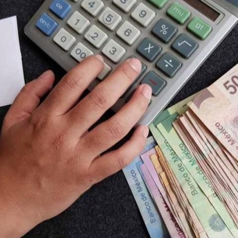 Deudas, Dinero, Calculadora, Finanzas Personas, Buró de Crédito