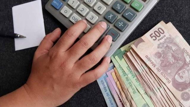 29 de enero 2020, Deudas, Dinero, Calculadora, Finanzas Personas, Buró de Crédito