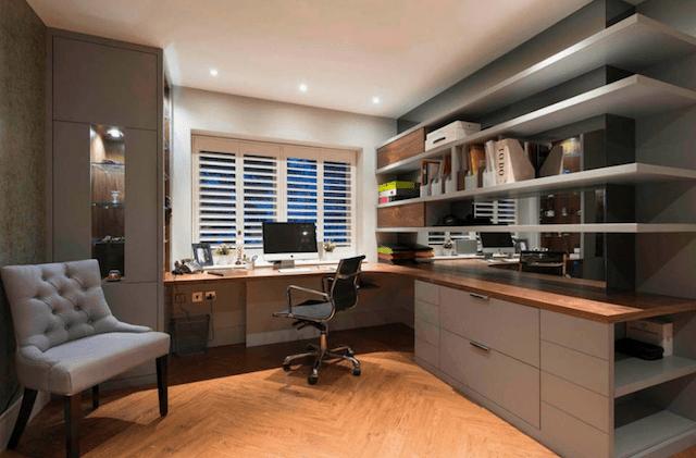 Oficina dentro de casa