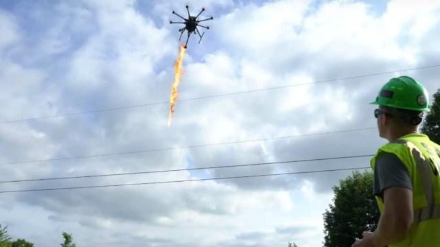 Drone con lanzallamas