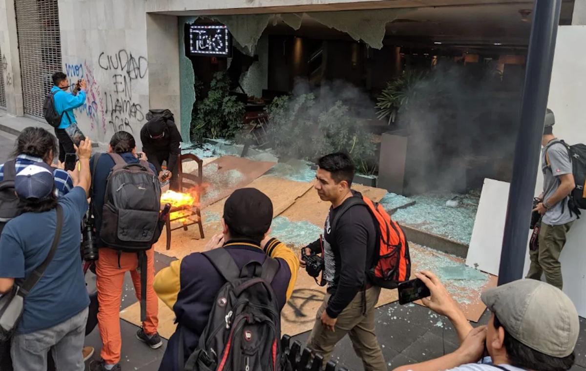 Daños marcha Ayotzinapa