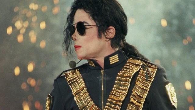 Ingresos de Michael Jackson después de muerto