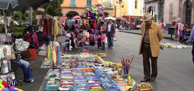 02 diciembre 2019, trabajo informal en México, Personas, calles de la Ciudad de México, negocios callejeros, comercio, trabajo informal.