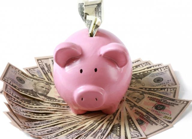 10 de diciembre 2019, ahorro, dinero, cochino, efectivo, administración, finanzas personales, dinero, cochinito.