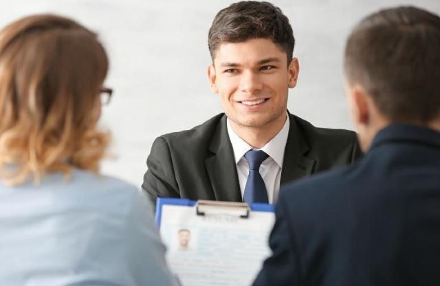 13 de diciembre 2019, Empleo, trabajadores, entrevista de trabajo, solicitud de empleo, personal, empleados, trabajadores, profesionales