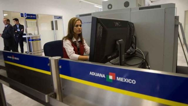 SAT, Oferta de empleo en aduanas de México, Aduana, Aduanas mexicanas, personal, mujer, empleada