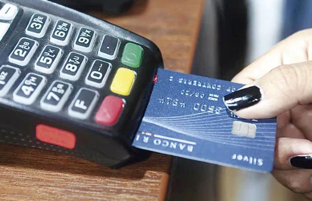 Pagos con crédito, tarjeta, dinero, pagos con tarjeta