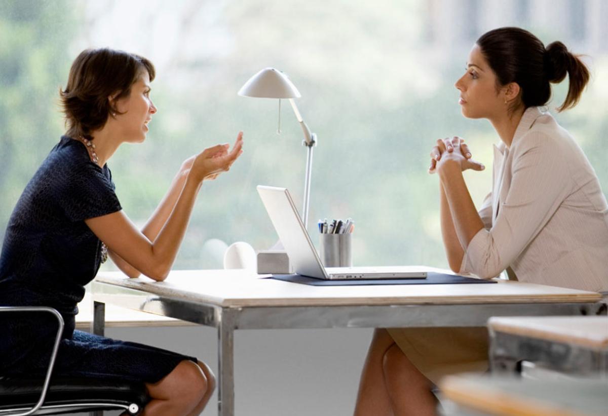 Prepárate para una entrevista de trabajo, entrevistas de trabajo, empleadas, mujeres, profesionales, conversación, entrevista,
