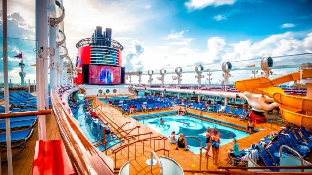 13 de diciembre 2019, Trabajar en cruceros de Disney, Disney, crucero, embarcación, trabajo, personas, vacaciones