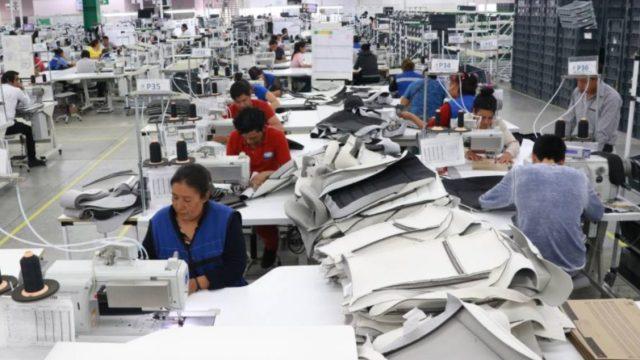 16 de diciembre de 2019, trabajadores en una fábrica en México (Imagen: Especial)