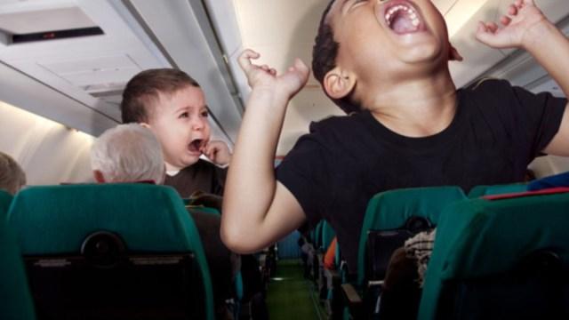 6 de diciembre de 2019, Childfree, pagar, negocios, niños, niños durante un viaje en avión (Imagen: Especial)