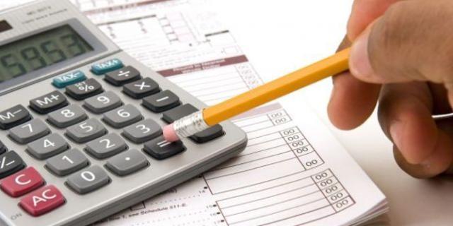 06 de enero 2020, Declaración de ingresos, Lápiz, Calculadora, Ingresos, Factura