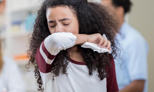 27 de enero 2020, Manera correcta de estornudar, Persona, Mujer, Enfermedad