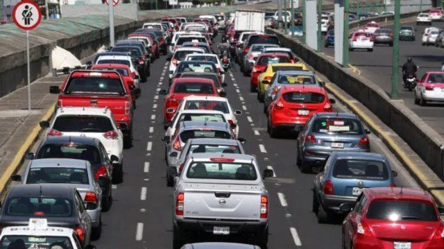 los oficiales de tránsito están capacitados para retener la licencia de automovilistas que manejen en estado de ebriedad