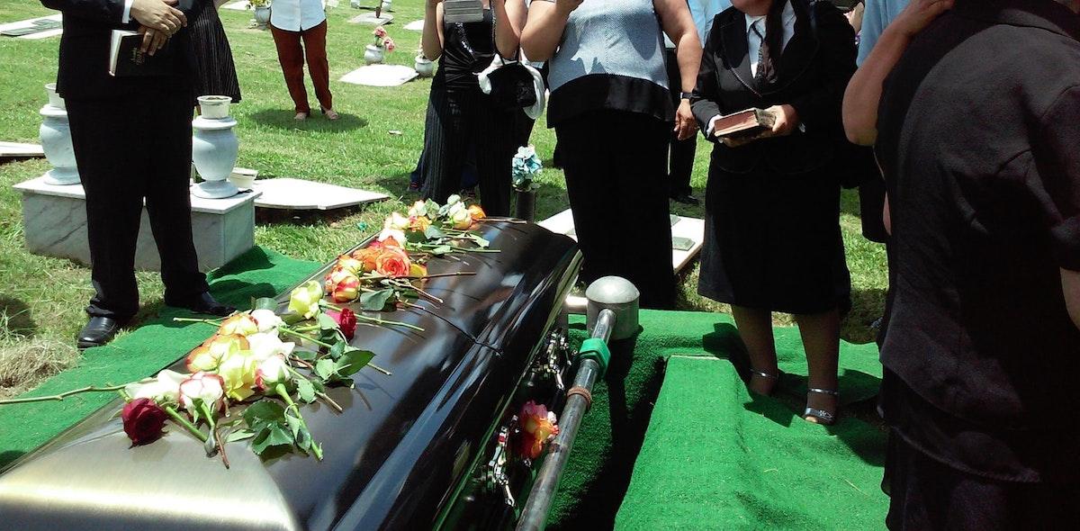 Pensión de un trabajador fallecido, Muerte, Personas, Entierro, Pensión