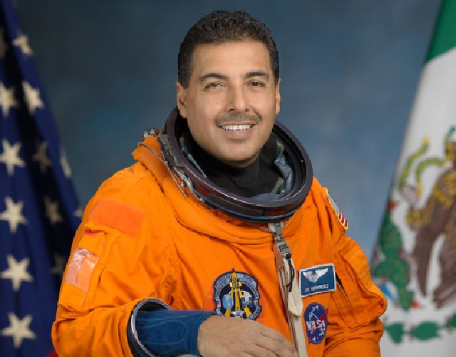 25 de febrero de 2020, el astronauta José Hernández (Imagen: Flickr NASA on The Commons)