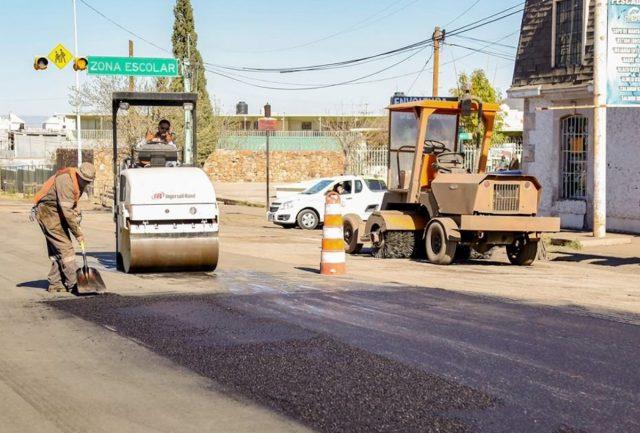28 de febrero de 2020, labores de asfalto (Imagen: Twitter: @MaruCampos_G)