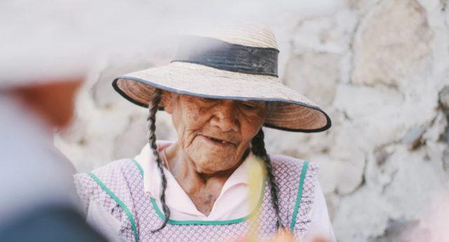 10 de febrero de 2020, una mujer anciana (Imagen: Unsplash)