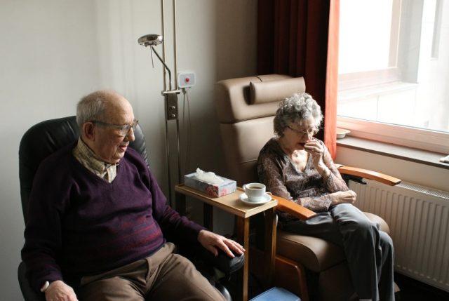 13 de febrero de 2020, personas adultas mayores (Imagen: Unsplash)
