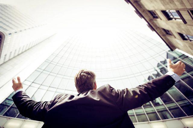 6 de febrero de 2020, un profesionista busca trabajo (Imagen: Unsplash)