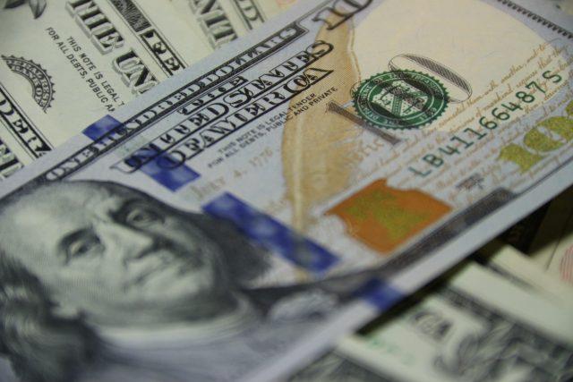 Billete de 100 dólares estadounidense (Imagen: Unsplash)