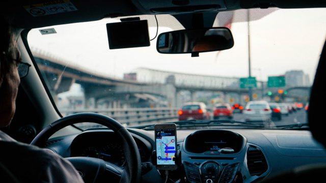 Movilidad con una app(Imagen: Unsplash)