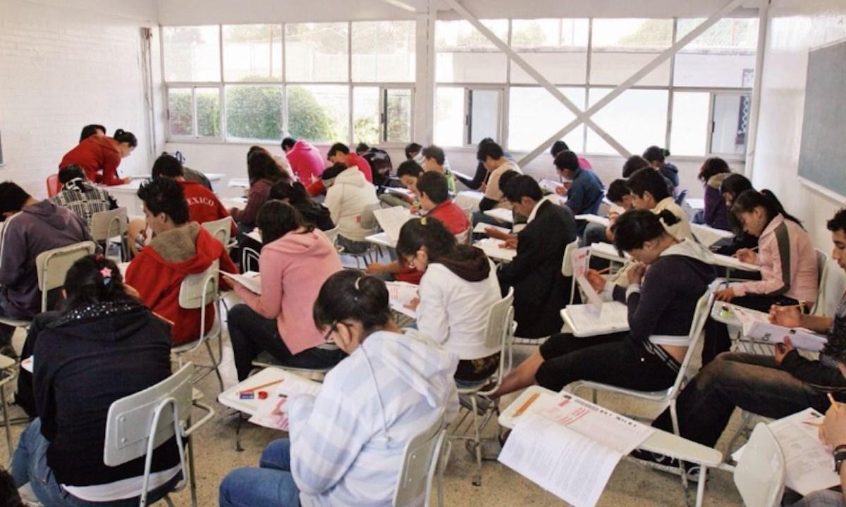 Examen admisión de la UNAM (Imagen: Twitter @monkeysmx)