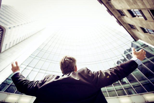Hombre de negocios (Imagen: Unsplash)