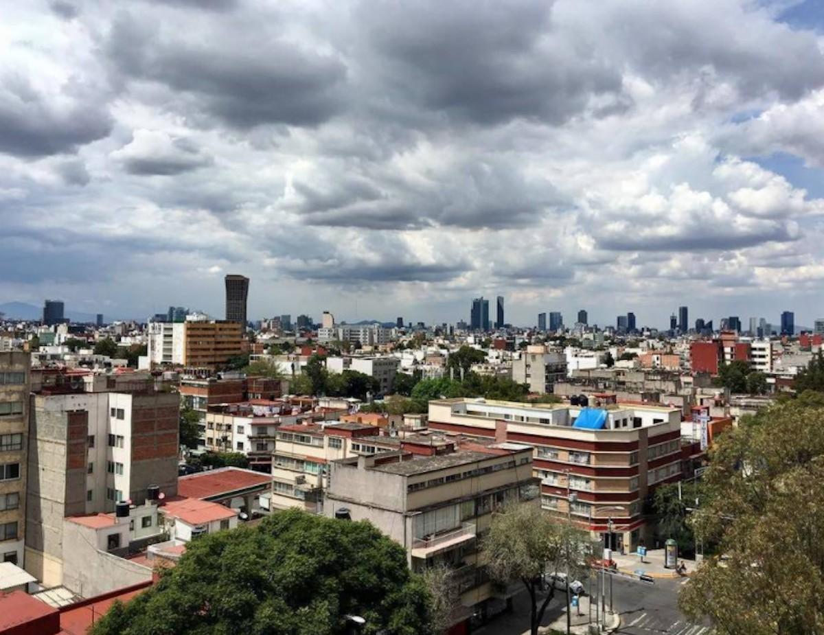 Vista desde las alturas de edificios en la CDMX (Imagen: Twitter @maloubet)