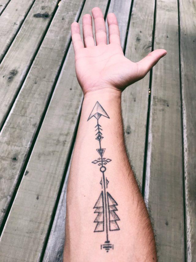 Tratar de quitarte un tatuaje (Imagen: Unsplash)