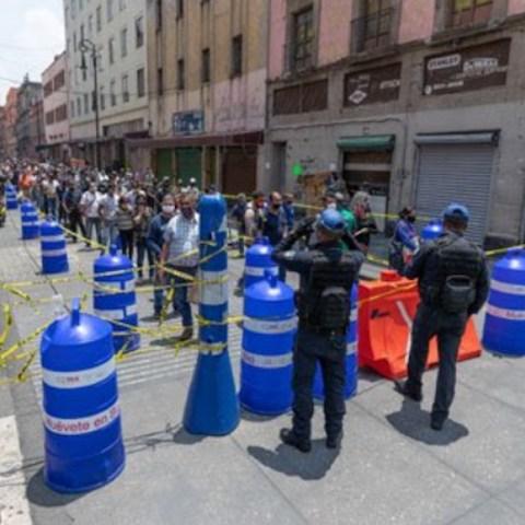 Personas quieren entrar al Centro de la CDMX (Imagen: Twitter @Rammoncho)