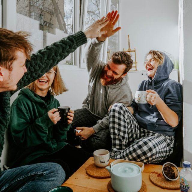 Al unir tu crédito Infonavit con el de un amigo o familiar, la propiedad que adquieran quedará bajo el estatus de copropiedad