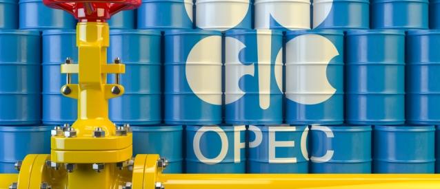 Insisten Rusia y Arabia Saudita en respetar las restricciones sobre la producción petrolera