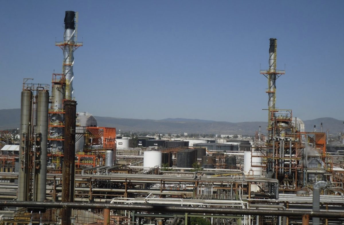 Invierte gobierno federal dinero en refinerías... que operan con pérdidas
