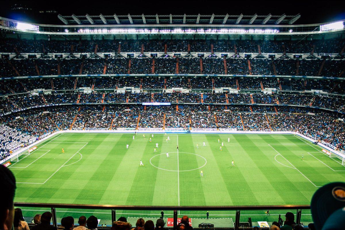 ¿Qué pasaría si limitamos los salarios de los jugadores de fútbol?