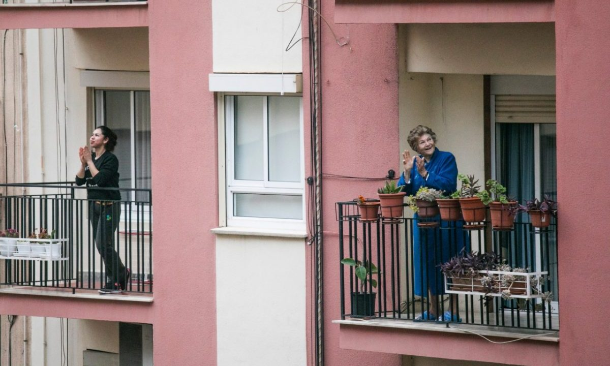 Vivienda con balcón (Imagen: Unsplash)