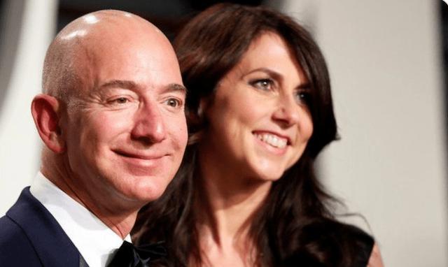 MacKenzie Scott y su exesposo Jeff Bezos (Imagen: Twitter @thetimeline256)