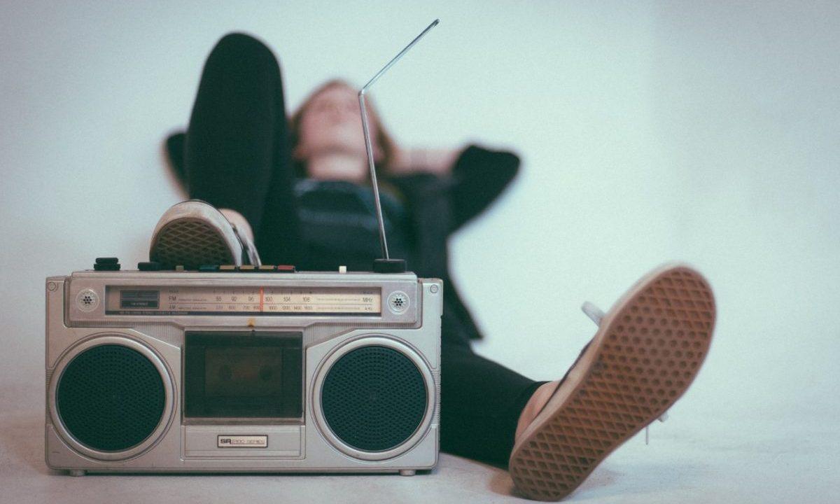 Escuchar música para el estrés laboral (Imagen: Unsplash)