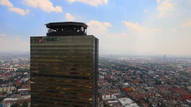 Acuerdan presidente y reguladores energéticos favorecer a Pemex y CFE