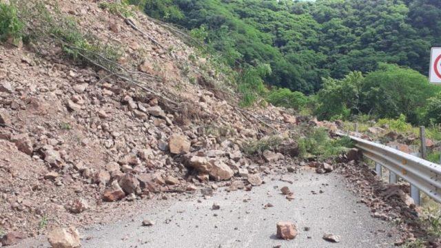 Carretera Los Herrera-Tamazula, inaugurada por AMLO dura 5 meses en buen estado
