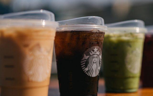 Bebidas sin popote en Starbucks (Imagen: Starbucks)