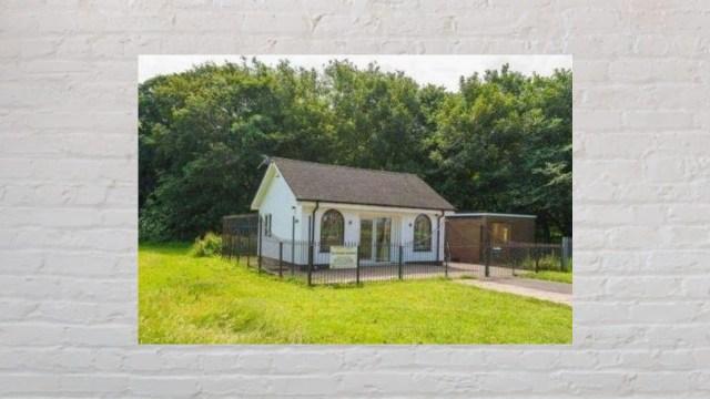 Casa en venta en Reino Unido que fue una funeraria (Imagen: RightMove)