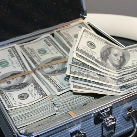 Dinero de ricos lo pierden(Imagen: pixabay)