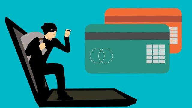 fraude, información bancaria, redes sociales, internet