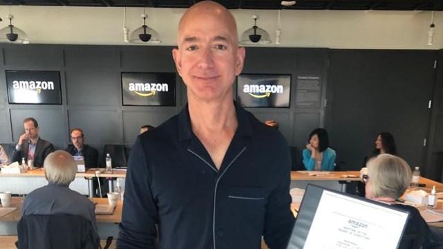 Este es el dinero que gana Jeff Bezos cada 6 segundos