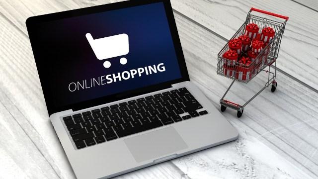 Ventajas y desventajas de comprar los regalos en línea