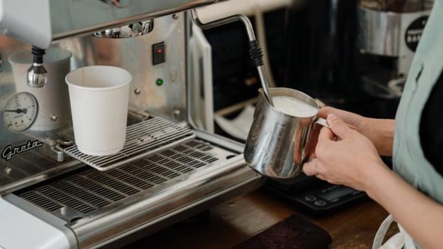 Starbucks baristas recibirán aumento de sueldo (Imagen: pexels)