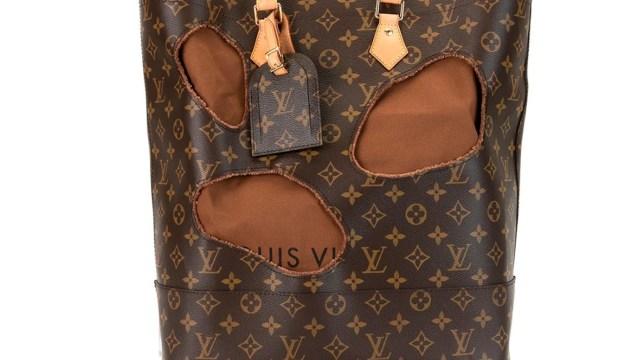 Venden bolso de segunda mano Louis Vuitton con hoyos en cifra estratosférica (Imagen: farfetch.com)