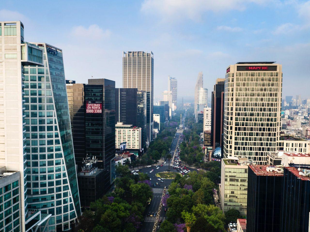 Fitch Ratings mantiene grado de inversión de México en BBB-