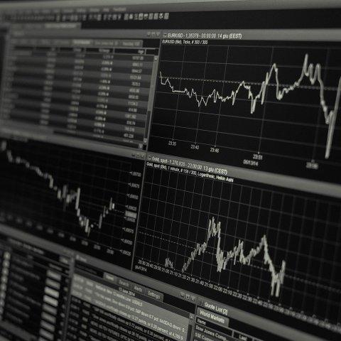 Por primera vez, Dow Jones supera los 30 mil puntos